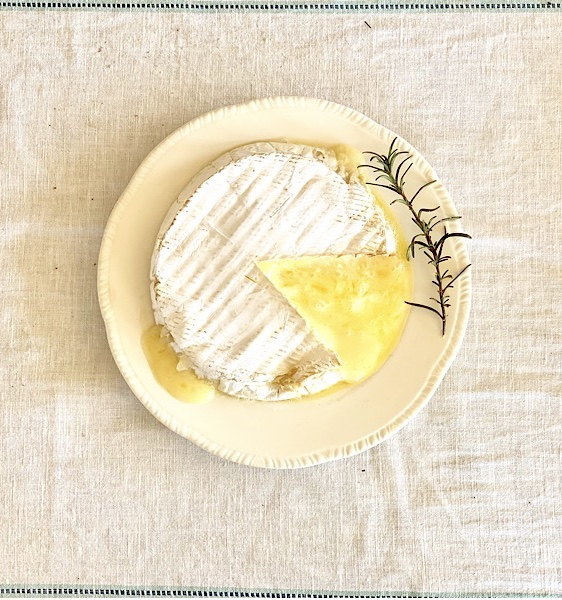 brie, figs, appetizers, cheese, snacks, party food, baked brie, gluten free, gourmet