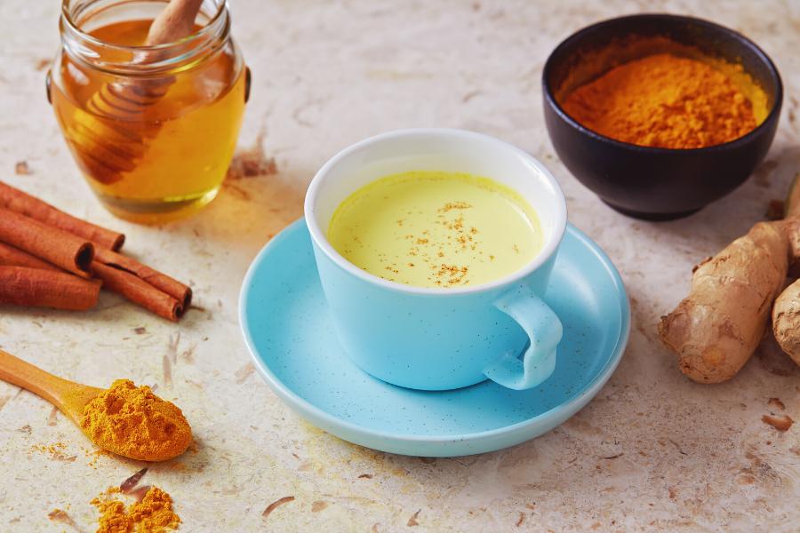 Turmeric, turmeric latte, hot beverage, anti inflammatory, spices, cinnamon, ginger