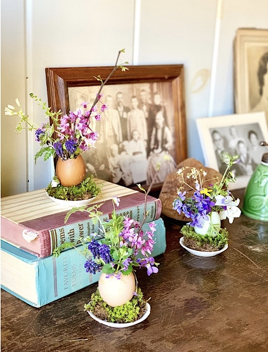 eggshell vases with wildflower bouquets